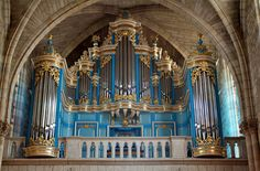 L'orgue Guillemin - The Guillemin organ (1994) in the church of Saint Vincent, Mérignac, Bordeaux, France;  photo by zoreil, via Flickr