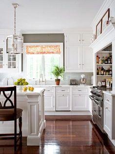 Travertine Backsplash Travertine And White Cabinets On
