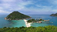 Thailand - Koh Nang Yuan are three little islands in Thailand located near Koh Tao near the western shore of the Gulf of Thailand. The most idyllic islands connected by turquoise oceans and pearly white beaches. The viewpoint is a must, especially for pictures. If possible take a day snorkeling trip from Koh Tao to fully appreciate this magnificent island and all the snorkeling spots.