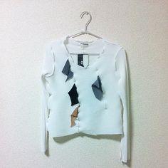白の長袖もあります #kotohayokozawa #wall_labo by kotohayokozawa
