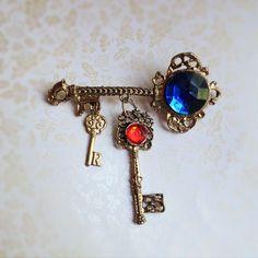 Vintage Key Trio Brooch. Key Jewelry. Red. by NicoleNicoletta