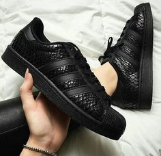 on sale fa325 c911a Black snake skin adidas Zapatillas Nike, Zapatillas Adidas Superstar, Zapatos  Adidas, Zapatillas Deportivas