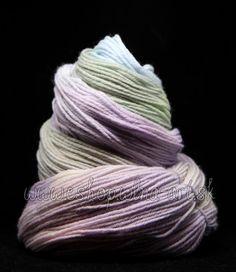 wool_vlna_merino_rucne_farbena_hand_dyed_yarns_na_pletenie_predaj_západ_2_1 Hand Dyed Yarn, Yarns, Throw Pillows, Wool, Toss Pillows, Cushions, Decorative Pillows, Decor Pillows, Scatter Cushions