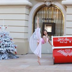 Beauty begins the moment you decide to be yourself. -coco chanel • • • #monaco #chanel #ballet #pointe #loveothers #bekind #dreambig #spreadjoy #monaco #chanel #ballet #spreadlove #bekind #lovedds #ddsambassador #worldwideballet #balletpost #arabesque #balletscene #ballet_a #tistheseason #rplove #lifeofaballerina #worldballet #apinkballerina #ballerinadreams #thepointeshop #russianpointe #mariiadancewear #capezio #princessgraceacademy #_flexibilitypost_