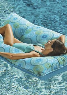 7 Fast And Easy Summer Decorating Ideas For Any Budget! Summer Dream, Summer Of Love, Summer Fun, Summer Time, Summer Days, Beach Color, Summer Memories, Pool Days, Cool Pools