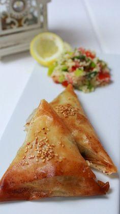 Los mezzes Veggie Recipes, Great Recipes, Salad Recipes, Cooking Recipes, Favorite Recipes, Veggie Food, Comida Armenia, Pasta Filo, Queso Feta