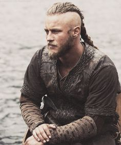 Travis Fimmel as Ragnar Lothbrook in Vikings on History. http://hotmalecelebs.tumblr.com/