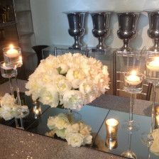 White peonies by L'Atelier Rouge #white #peony