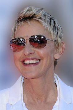 Pixie haircuts for women over 50 in 2021-2022 Short Hairstyles Over 50, Hairstyles With Glasses, Pixie Hairstyles, Pretty Hairstyles, Pixie Haircuts, Short Sassy Hair, Short Hair Cuts For Women, Short Pixie, Short Hair Styles