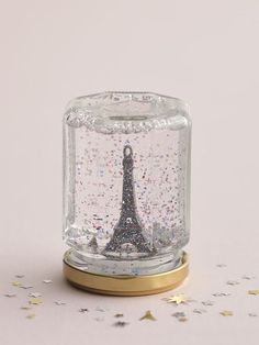 Eiffel Tower Snow Globe > Paris in a jar! Paris Room Decor, Paris Rooms, Paris Bedroom, Diy Room Decor, Paris Themed Birthday Party, Paris Party, Spa Birthday, Eiffel Tower Craft, Paris Crafts