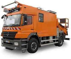 Hilton 110T with lorry (Mercedes-Benz)