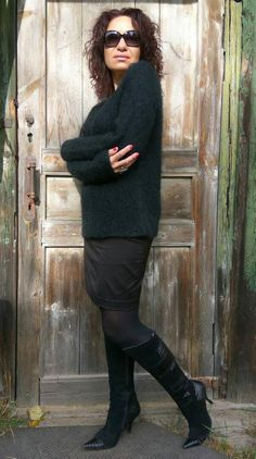 Black Mohair Sweater, V-neck Sweater Women, Knitted Mohair Pullover with Extra Long Sleeves Fluffy Sweater, Mohair Sweater, Poncho Sweater, Black Sweaters, Sweaters For Women, Hand Knitted Sweaters, Fashion Wear, Hand Knitting, Dresser