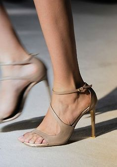 nude heels! A must have for every woman's closet!