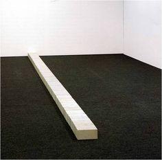 Carl Andre - Lever, 1966 137 mattoni. Segna il rapporto tra l'opera artistica e lo spazio in cui è assemblato