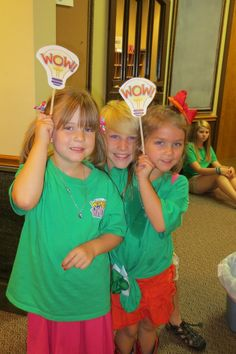 A WOW idea! (W.O.W. stands for Workshop Of Wonders) www.cokesburyvbs.com/2014