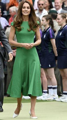 Estilo Kate Middleton, Kate Middleton Outfits, Princess Kate Middleton, Kate Middleton Style, Awesome Kate, Stylish Street Style, Kate Dress, Kate And Meghan, Estilo Real