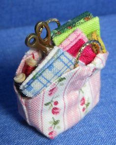how to: sewing or yarn basket (doll house size, but want to make a ME size!)