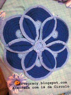 Almofada de crochê me lã