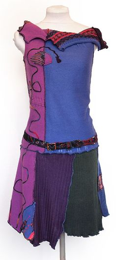 Recycled unique tunic made of various woolen and other sweaters. With the popular tie-belt. Tunic length varies about 95 cm.