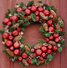 Williamsburg Style Apple Wreath Pine Wreath Base for Fresh Fruit Decoration Wood Wreath, Diy Wreath, Ornament Wreath, Ornaments, Fruit Decorations, Christmas Decorations, Holiday Decor, Noel Christmas, Christmas Crafts