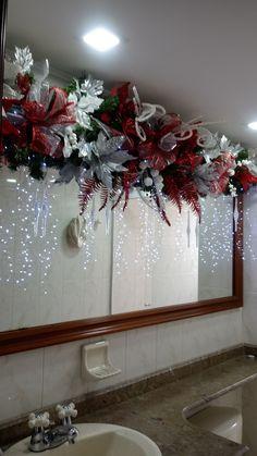 Diy Christmas Door Decorations, Christmas Tree Themes, Christmas Wedding, Christmas Wreaths, Christmas Crafts, Seasonal Decor, Holiday Decor, Deco Wreaths, Mantles