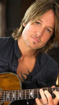 Love this one of Keith! Male Country Singers, Country Music Artists, Country Music Stars, Nicole Kidman, Urban Legends, Keith Urban, Celebs, Celebrities, The Ranch