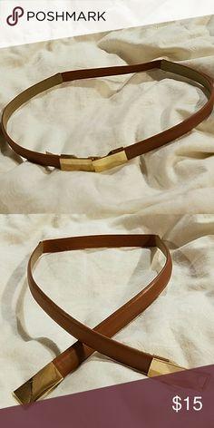 Banana Republic sm brown leather elastic belt Banana Republic sm brown leather elastic belt.   Like new Excellent condition Banana Republic Accessories Belts