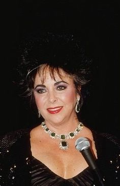 Elizabeth Taylor.. One Beautiful Lady ;)