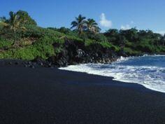 ทรายสีดำ The black sand beaches on the world