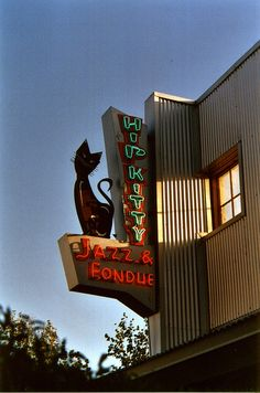 Jazz AND fondue AND a kitty! This place was made for me (as long as they play some rockabilly, blues and surf on Saturday night!)