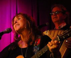 At her Aug. 30 show in Houston, Nashville-based singer-songwriter Gretchen Peters seemed a bit surprised but very pleased to be playing to a near-capacity audience on a Sunday evening...
