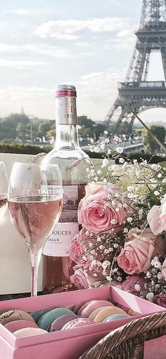Paris Girl, Rich Girl, Post Card, City Lights, Party Time, Alcoholic Drinks, Elegant, Cards, Classy