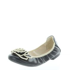 TABATHA Foldable ballet flat. Super soft with cute rosette on top. $59.95 www.ishoes.com.au #ishoes #flats #fashion #shoes