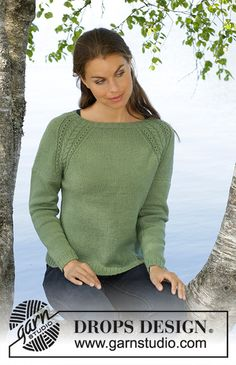 Green Wood / DROPS - Free knitting patterns by DROPS Design - Green Wood / DROPS – Knitted tailored sweater in DROPS BabyAlpaca Silk. The piece is worked in stocking stitch with raglan and cable pattern. Sizes S – XXXL. Sweater Knitting Patterns, Knitting Stitches, Knit Patterns, Free Knitting, Finger Knitting, Drops Design, Drops Baby Alpaca Silk, Laine Drops, Magazine Drops