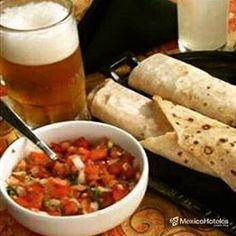 Hora de comer #seantoja burritos de mariscos Lauraॐ ThetaHealing @impresureste_marin Igers Michoacán Jose Cano MexicoHoteles #MexicoHoteles #vacaciones # http://ift.tt/1Ngm963