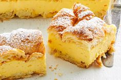 Can you believe this vanilla slice only takes 15 minutes to prep and 10 minutes to cook? It's filled with custard, topped with croissants and perfect for afternoon tea. Custard Slice, Custard Cake, Custard Pies, Cake Recipes, Dessert Recipes, Custard Recipes, Baked Custard Recipe, Custard Desserts, Xmas Recipes