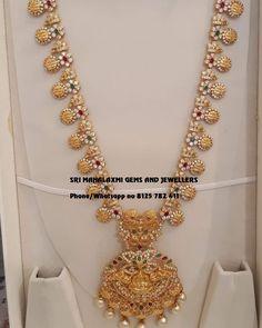 Wedding Jewellery Designs, Gold Jewellery Design, Diamond Jewellery, Real Gold Jewelry, Gold Jewelry Simple, Indian Bridal Jewelry Sets, Bridal Jewellery, Indian Jewelry, Gold Pendant