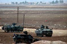 An der türkischen Grenze zu Syrien patrouillieren im Oktober 2014 mehrere Panzer.