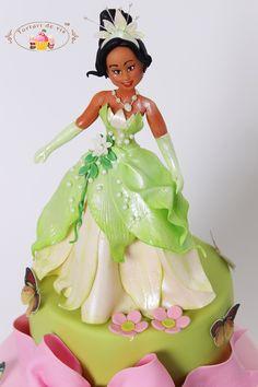 Torturi - Viorica's cakes: Tort Printesa Tiana pentru Sara Princess Tiana, Princess Castle, Princess Party, Mini Cakes, Love People, Cake Art, Sari, Facebook, Children