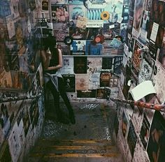 Image shared by Masterpiece. Find images and videos about girl, grunge and indie on We Heart It - the app to get lost in what you love. Retro Aesthetic, Aesthetic Grunge, Aesthetic Bedroom, Acacia Brinley, Sala Grunge, Modern Retro, Retro Vintage, Grunge Bedroom, Most Beautiful Images