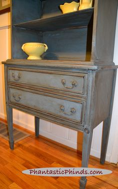 Phantastic Phinds: How To Use Chalk Paint® Annie Sloan: Step-by-Step DIY Painted Hutch