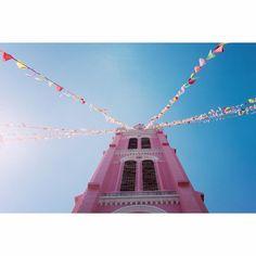 Nhà thờ Tân Định #vsco #vscogood #vscocamvietnam #vscocam #vscoonly #vscogram #vscophile #vscogrid #vscovietnam #fuji #fujifilm #vscodaily #picoftheday #vscohochiminh #vscosaigon #instavietnam #Vietnam #pink #igvietnam #igdaily #fujixe1 #fujifilmxe1 #flag #igers #pastel #pictureoftheday #overexposed #bluesky #church by hoatrannobita