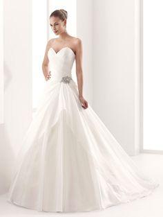 2015 A-Line Sweetheart Beading Chapel Train Wedding Dresses