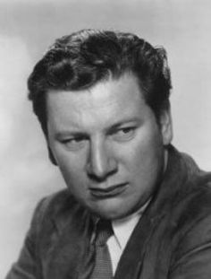 Peter Ustinov, actor, film maker, writer kinds of wicked and dubious characters Hollywood Men, Hooray For Hollywood, Golden Age Of Hollywood, Hollywood Stars, Classic Hollywood, Peter Ustinov, Actor Secundario, Best Actor, Peter Alexander