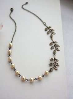 Mariage or. Feuilles et collier de perles or.  Mariage Country Garden. Bijoux de feuilles, de mariage mariage rustique. Cadeaux de demoiselle d'honneur, Sis