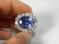 Composition:White Gold 18kPrimaryStones:Untreated NaturalSapphireShape or Cut :Oval CutAverage Color/Clarity Sapphire :AAA+ Fine Blue/ Clarity VSTotal Sa