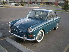 VW Notchback. Look at da cute li'l baby.