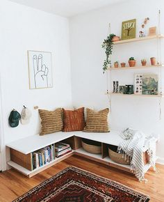 office home small ~ office home . office home ideas . office home decor . office home design . office home gym combo . office home ideas for women . office home small Living Room Decor, Living Spaces, Bedroom Decor, Living Room Bench, Budget Bedroom, Spare Room Decor, Living Area, 1920s Bedroom, Bedroom Ideas