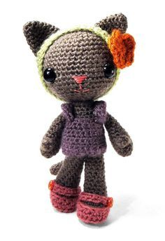 Tara the Cat amigurumi crochet pattern by sarsel