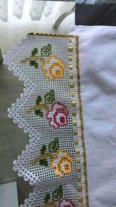 Lovely filet crochet with color accents and a woven ribbon. Filet Crochet, Crochet Lace Edging, Crochet Borders, Cotton Crochet, Crochet Flowers, Knit Crochet, Applique Patterns, Crochet Patterns, Motifs D'appliques